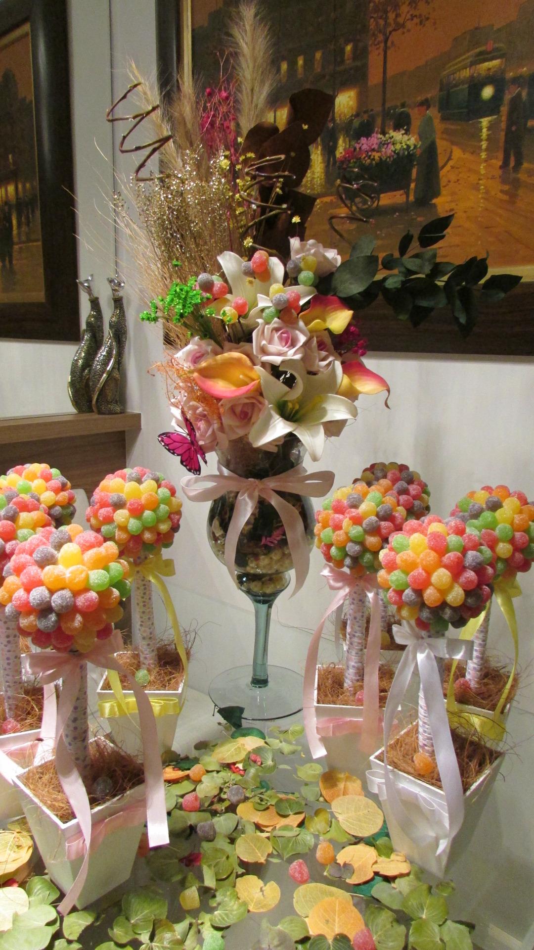 Kit festa infantil jujubas flores rosamorena artes for Mesa infantil