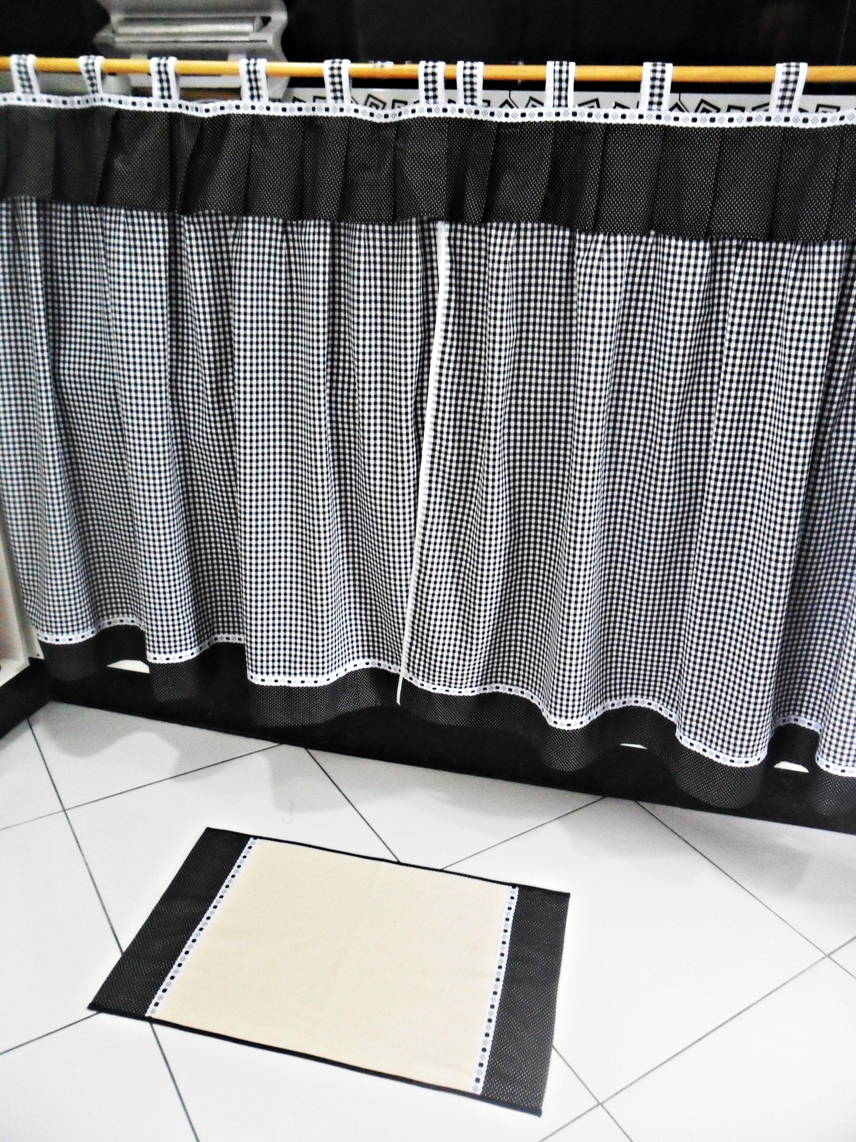8832a6fb3 Tapetinhos e cortina - preto e branco no Elo7