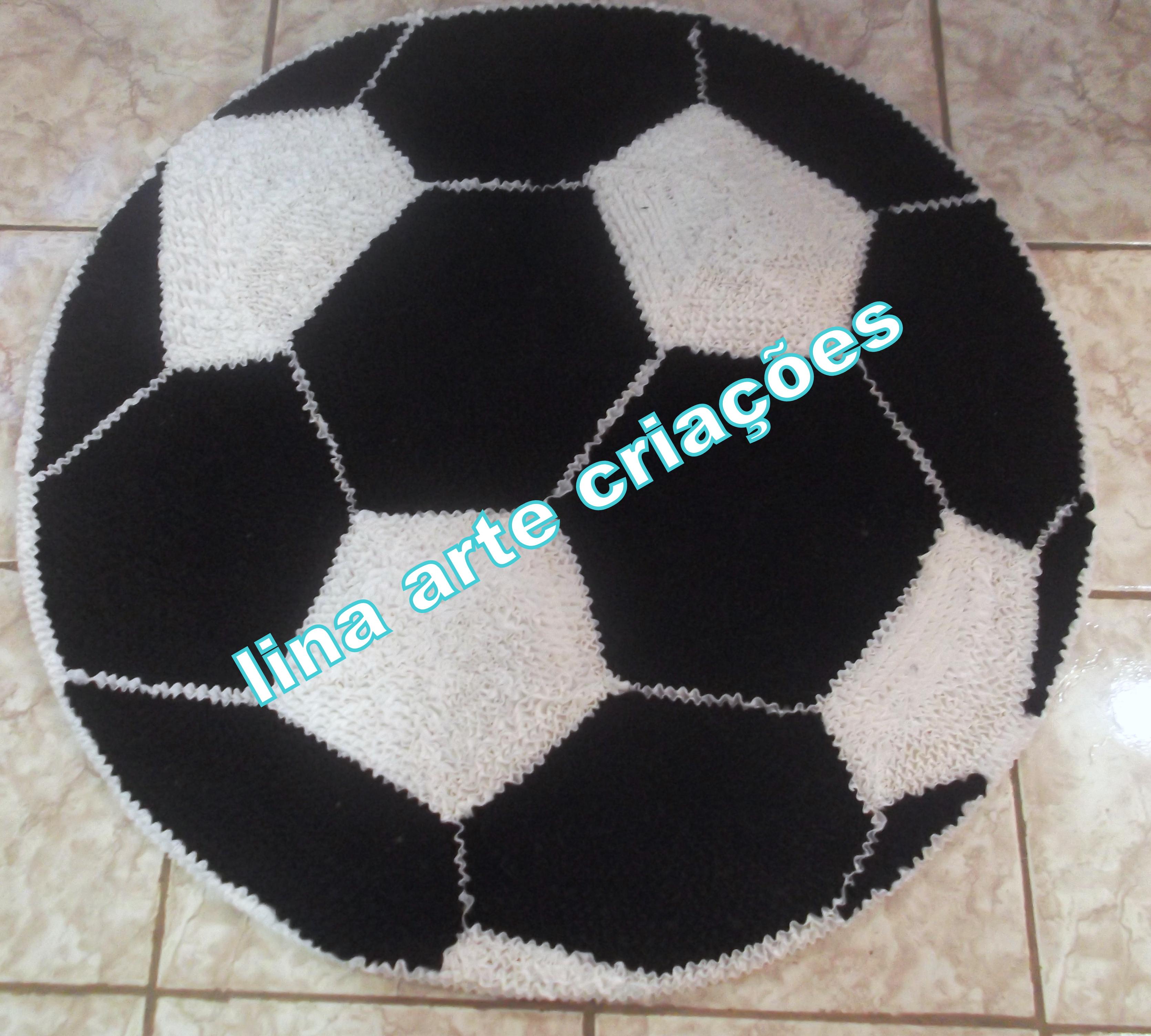 Tapete Bola de Futebol Branco e Preto  c1c19eb21af4f