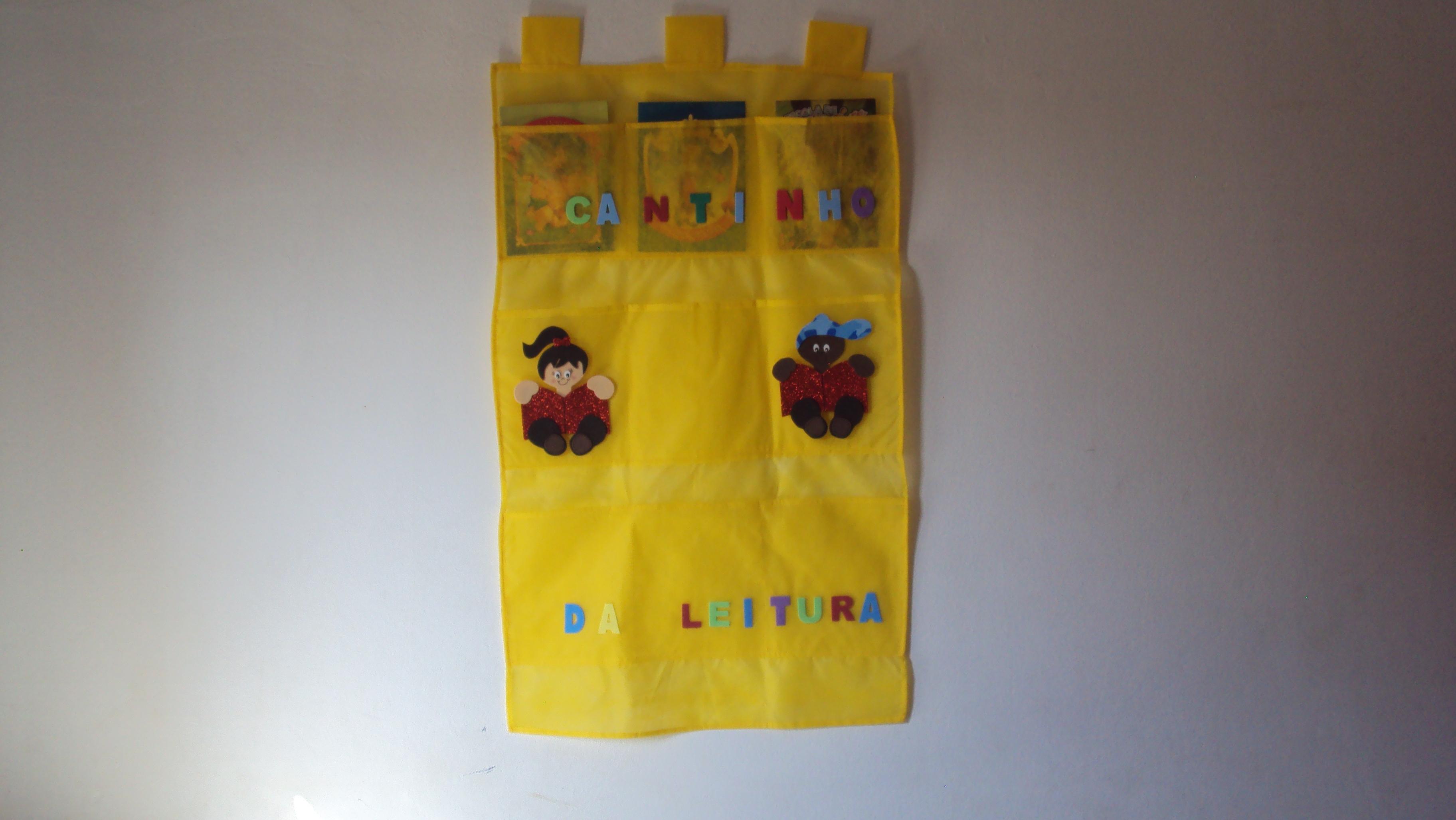 Cortinas Para Sala De Aula Com Amor Com Cortinas Tnt Sala Aula E  -> Modelo De Cortina Tnt Sala Infantil