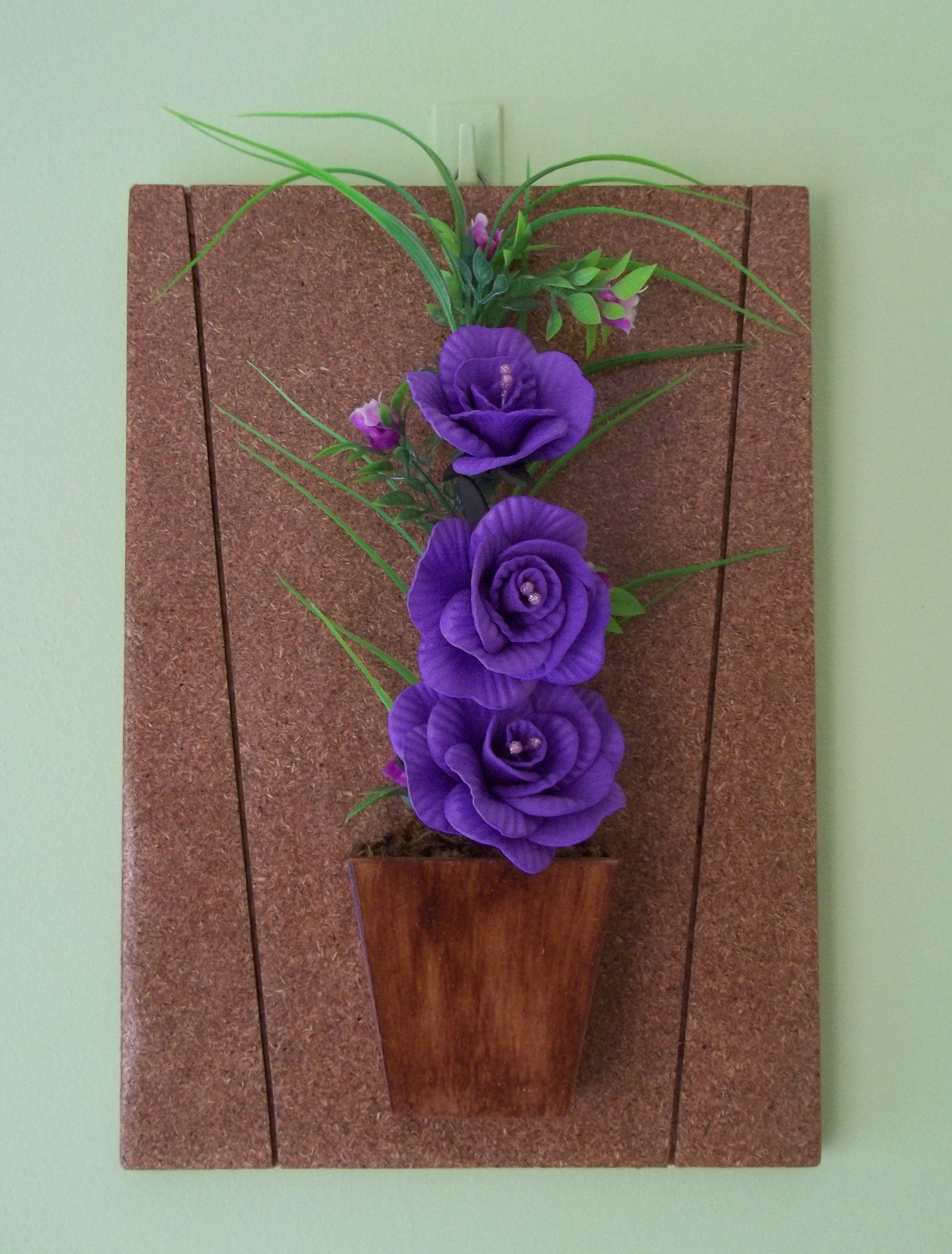 Quadro com arranjo de flores em eva id ias e cores decor for Mural de isopor e eva