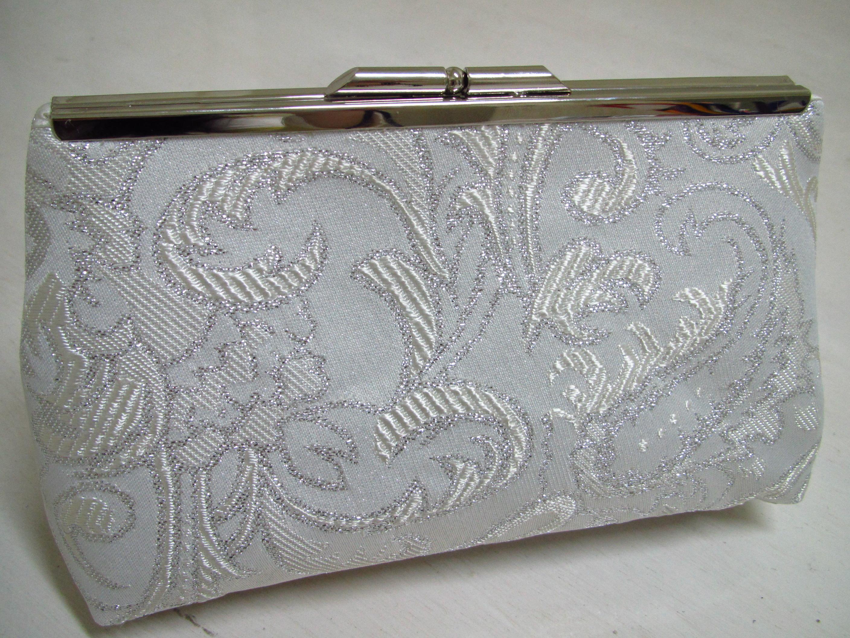 cfe757f57 Bolsa Clutch Adamascada Branca e Prata no Elo7   Eleganza Design (447585)