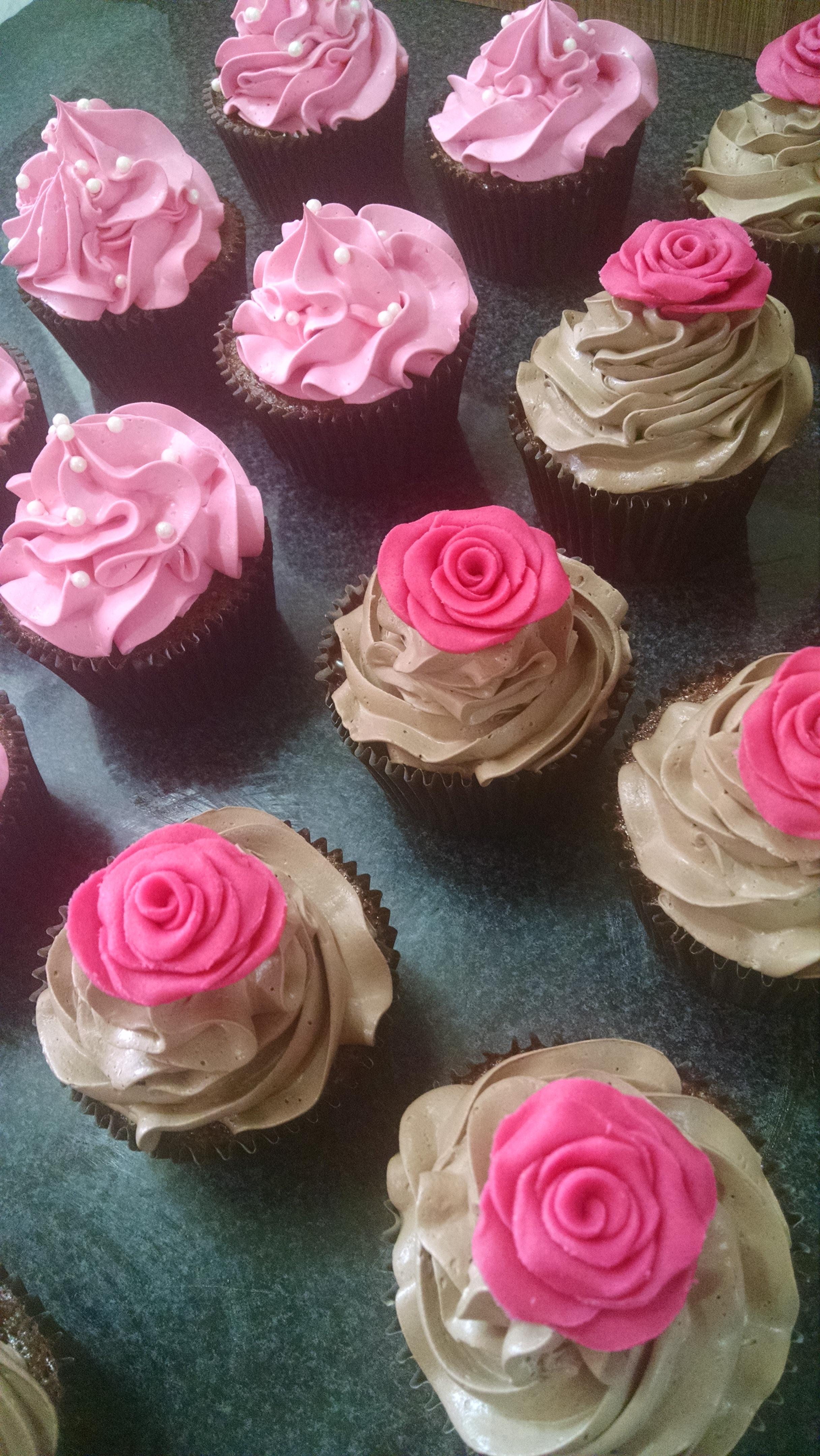 Cupcake Rosa Em Pasta Americana Doces Da F 234 Elo7