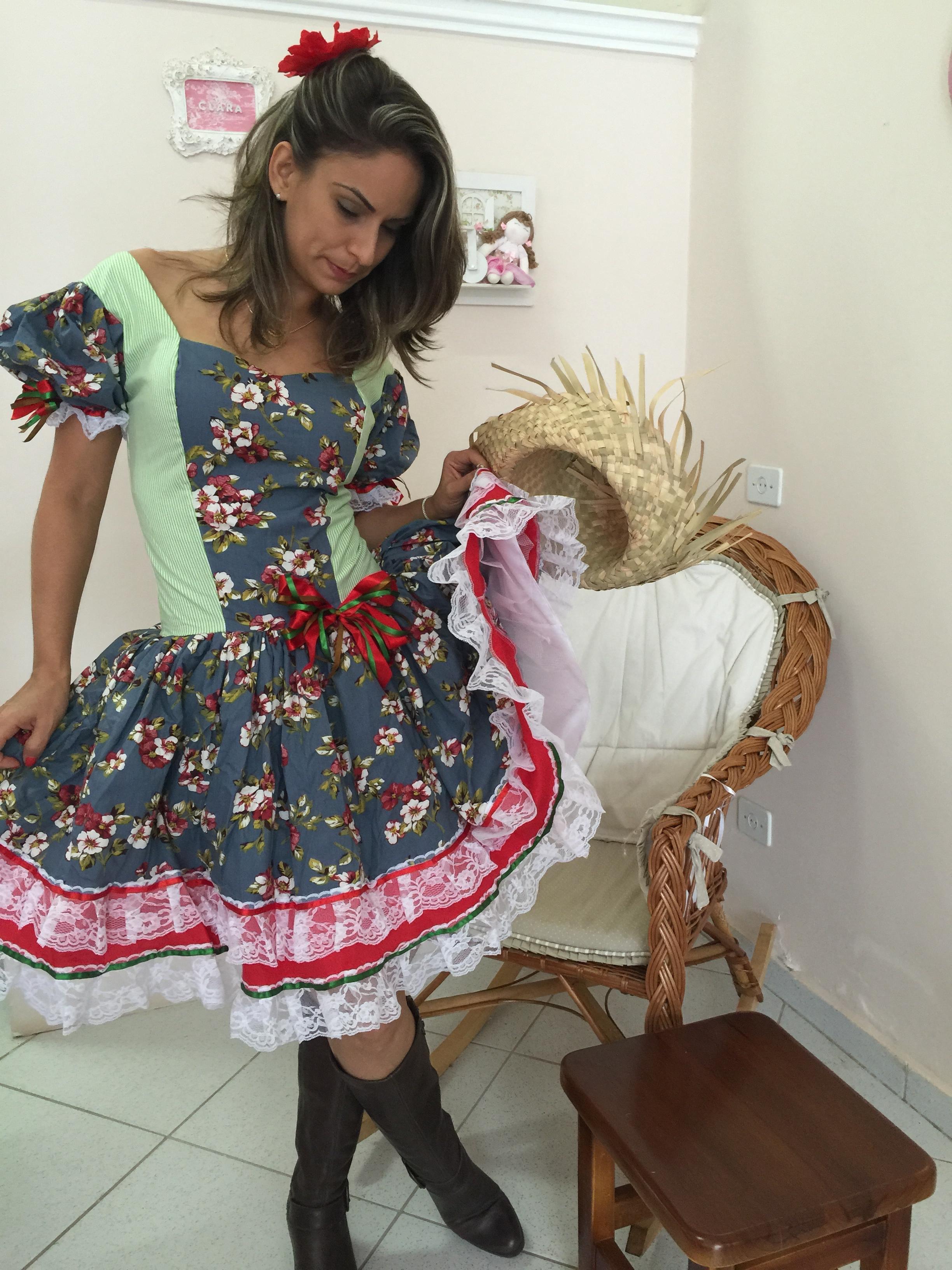 Vestido festa junina moderno curto