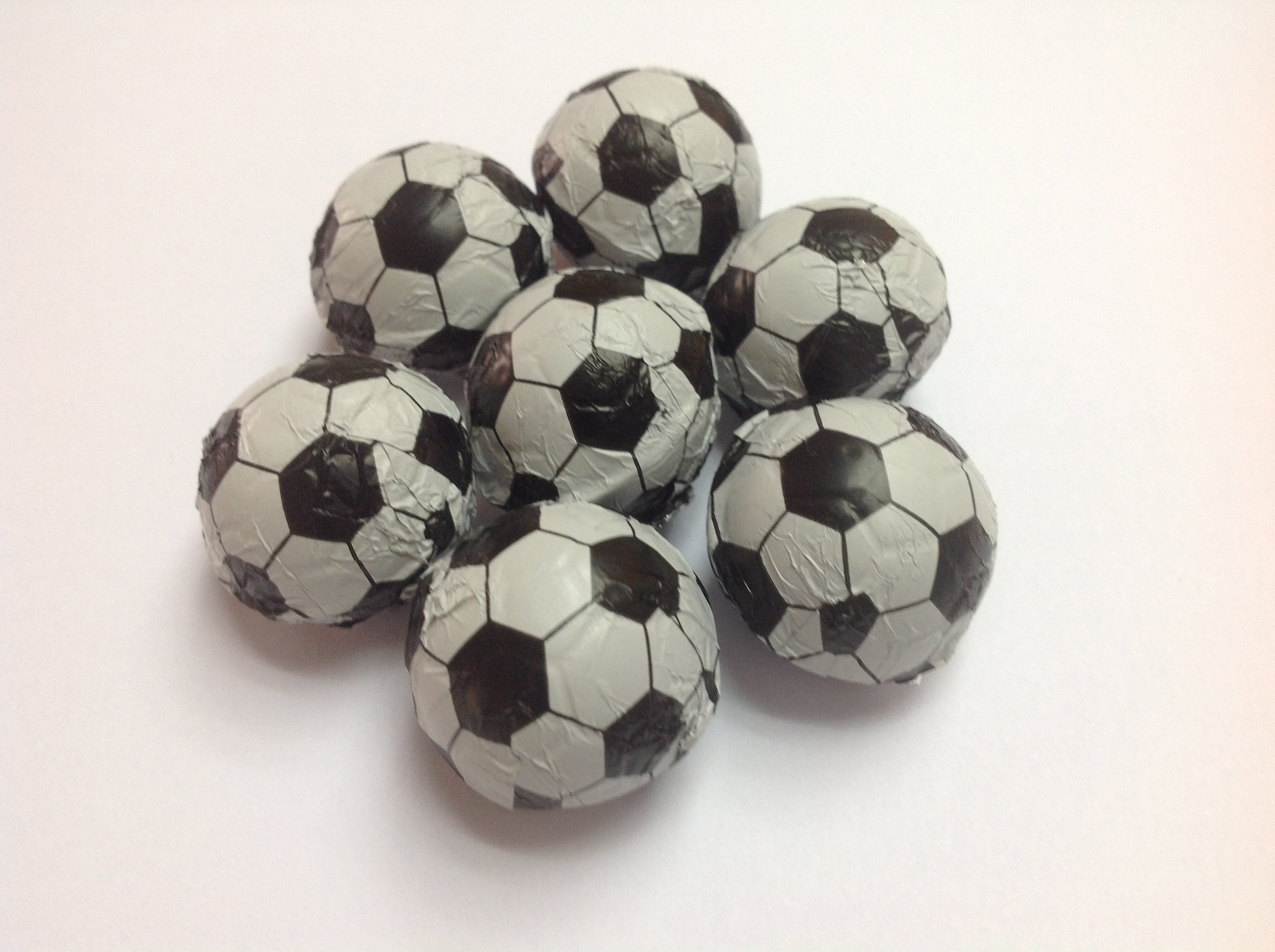 cea2a58f0 Bola de futebol em Chocolate no Elo7