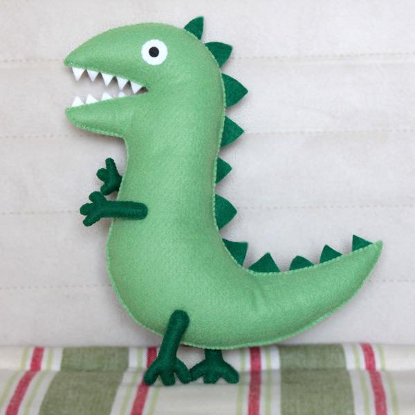 boneco pelúcia george dinossauro 35cm peppa pig da estrela