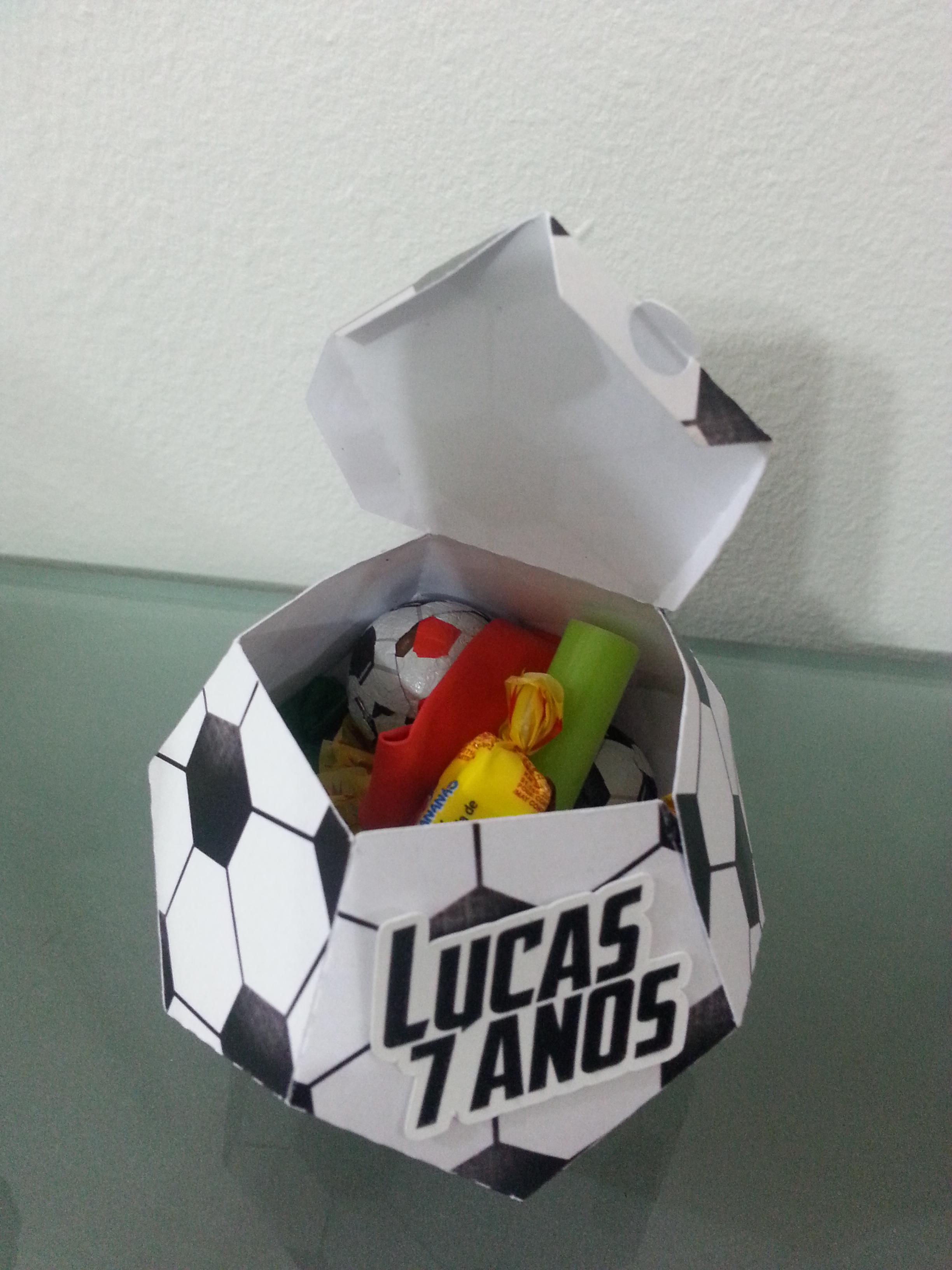 af4dae98d Lembrancinha Caixa Bola de Futebol