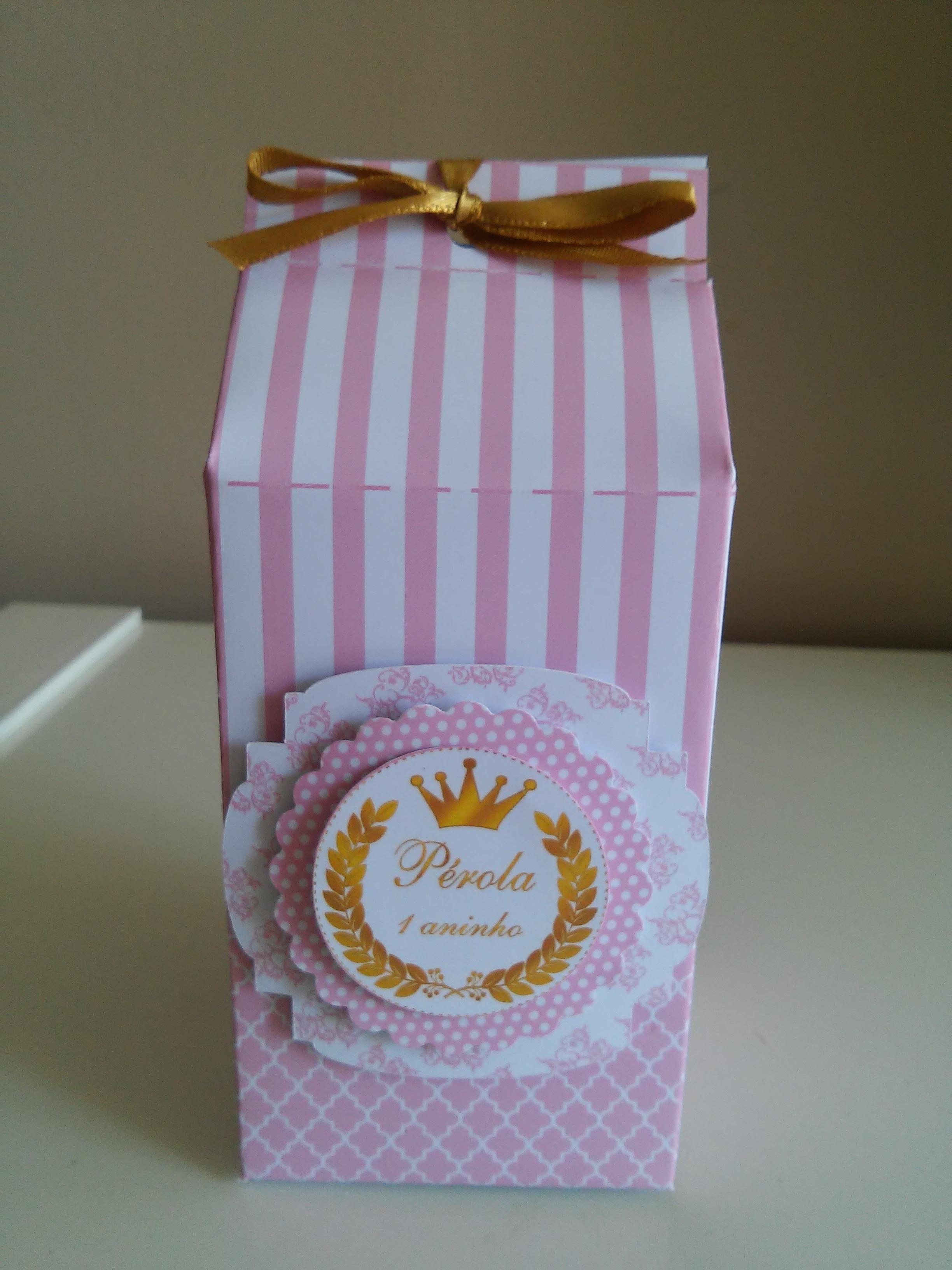 Lembrancinha de Aniversário feita com Caixa de Leite - Mickey e Minnie -.
