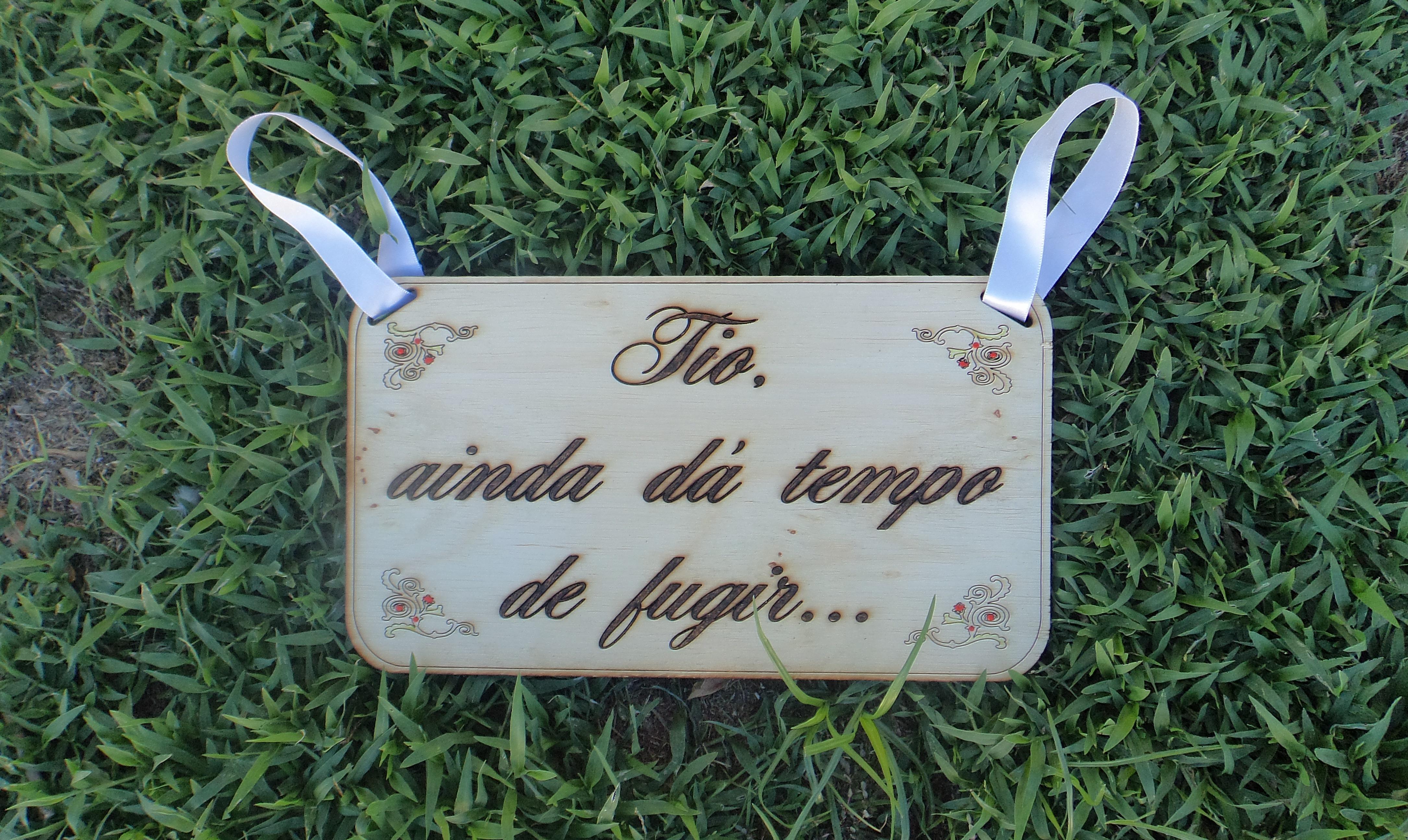 casamento rustica com fita plaquinha rustica de madeira casamento #4C607F 4341x2592