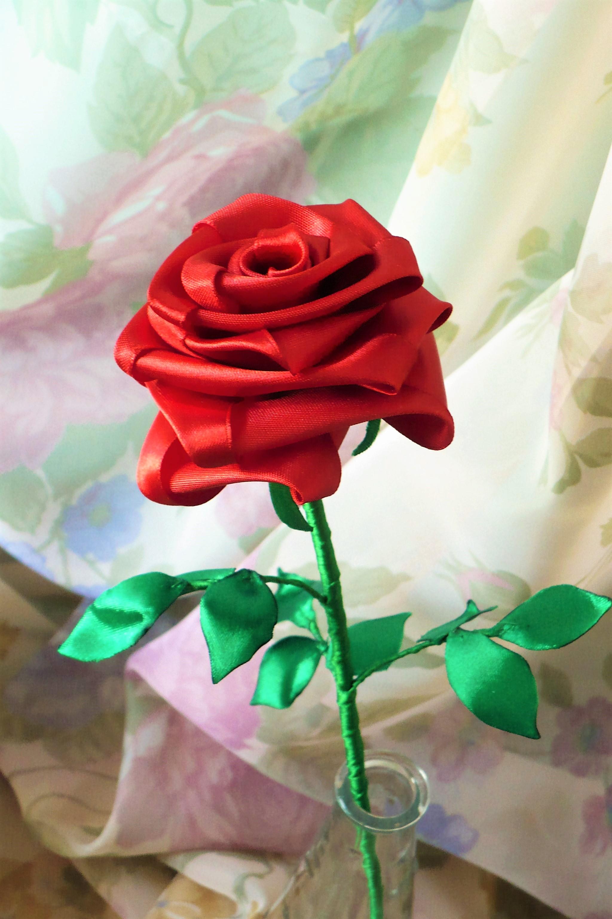 Rosa Vermelha Com Talo Rosas De Cetim No Elo7 Lajja Decor 5c09b3