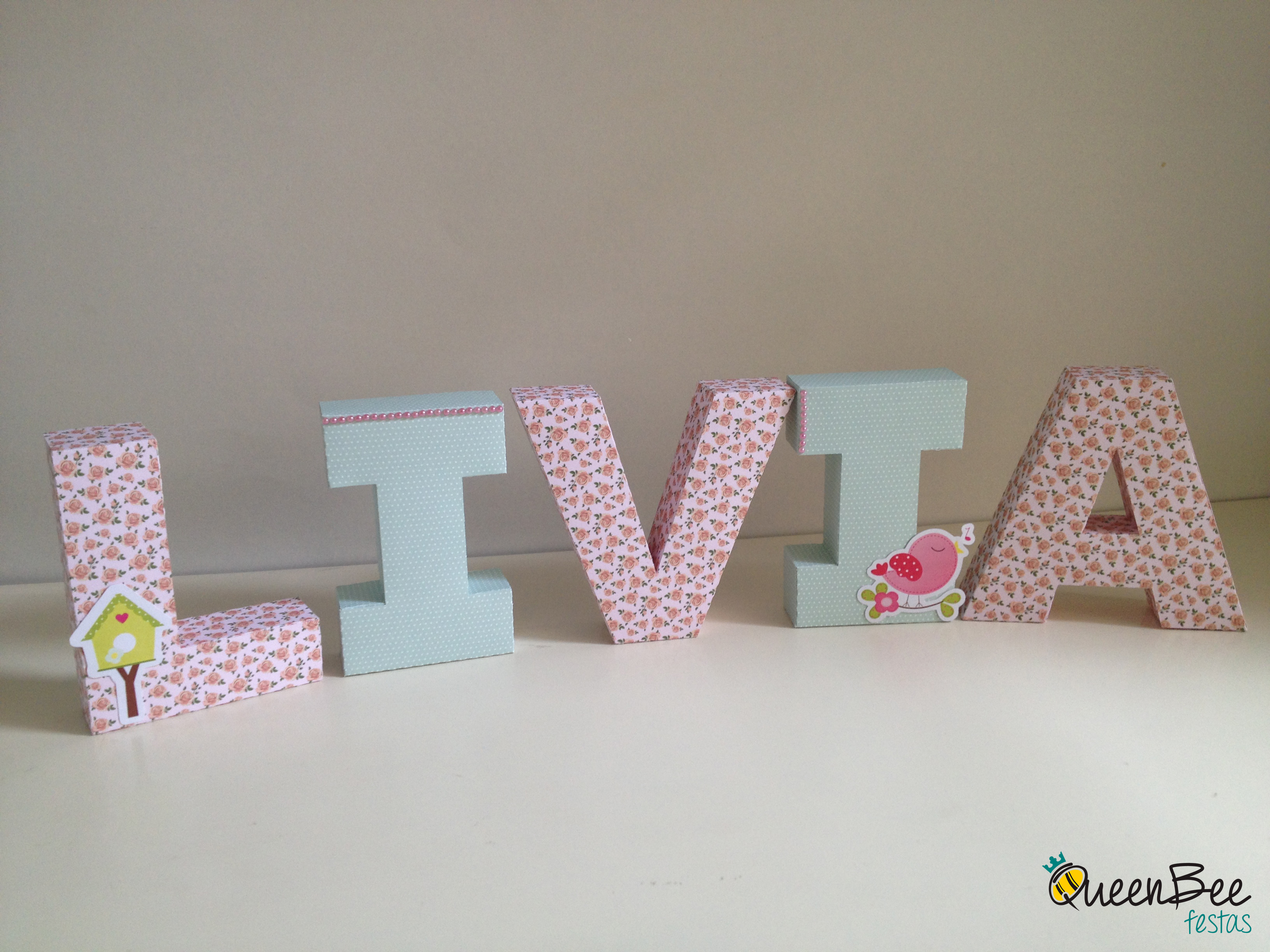 Letra 3d para decorar queen bee festas elo7 - Letras scrabble para decorar ...