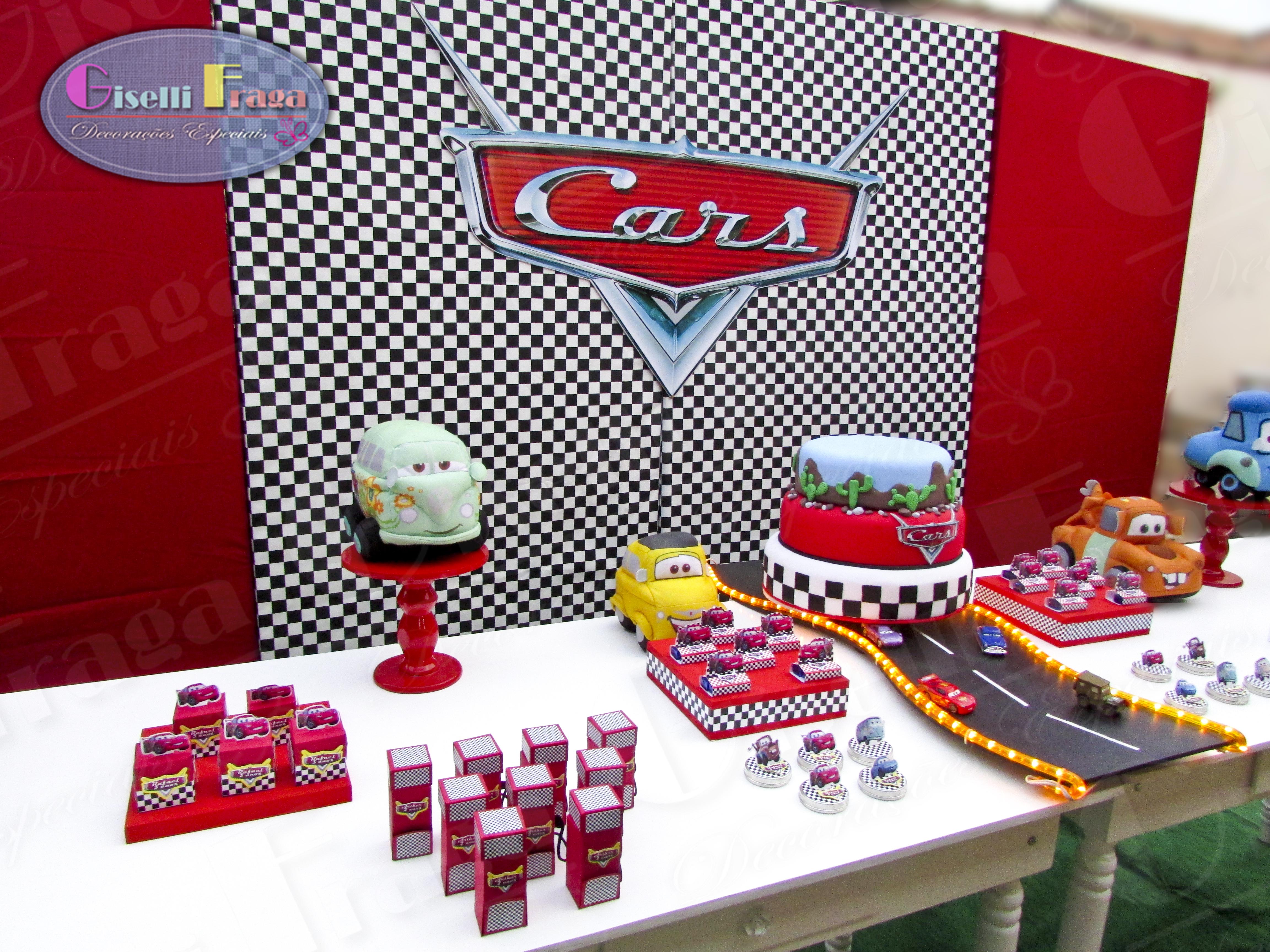 Aluguel de Decoração  Festa Carros  Giselli Fraga  Decorações Especiais