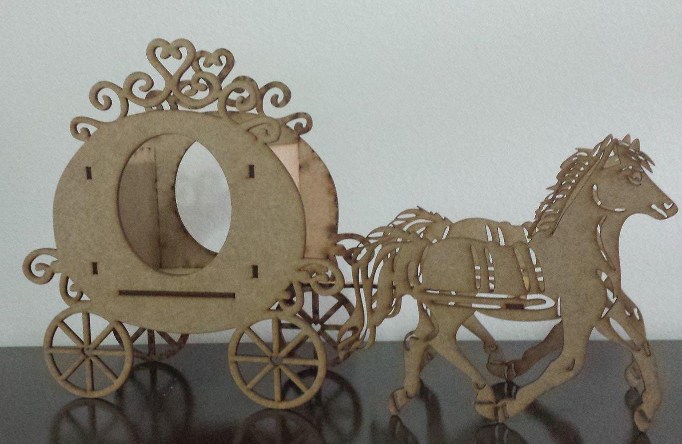 10 carruagens com cavalo corte a laser Alessandra Lima Art Decor  #5E4E3C 1366x889