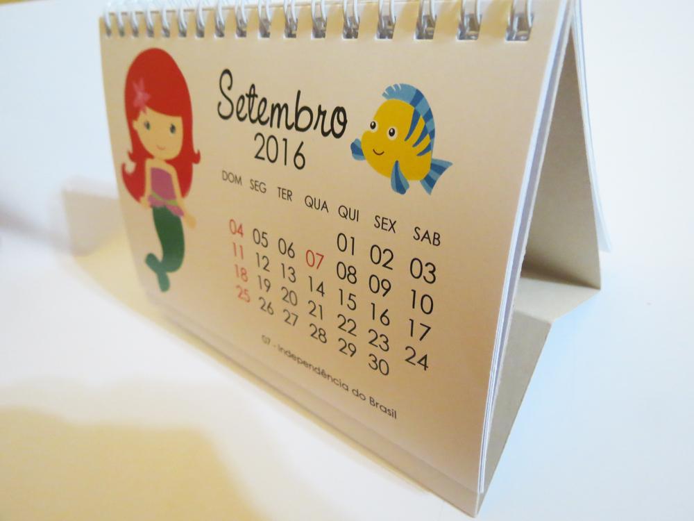 Calend rio de mesa 2017 princesas l a foto e arte elo7 - Calendario de mesa ...