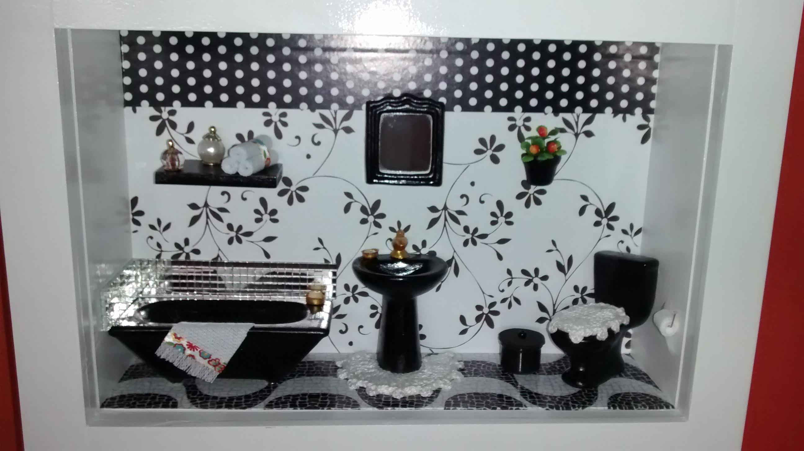 de banheiro preto e branco mdf cenario de banheiro preto e branco #721B18 2592x1456 Armario Para Banheiro Branco E Preto