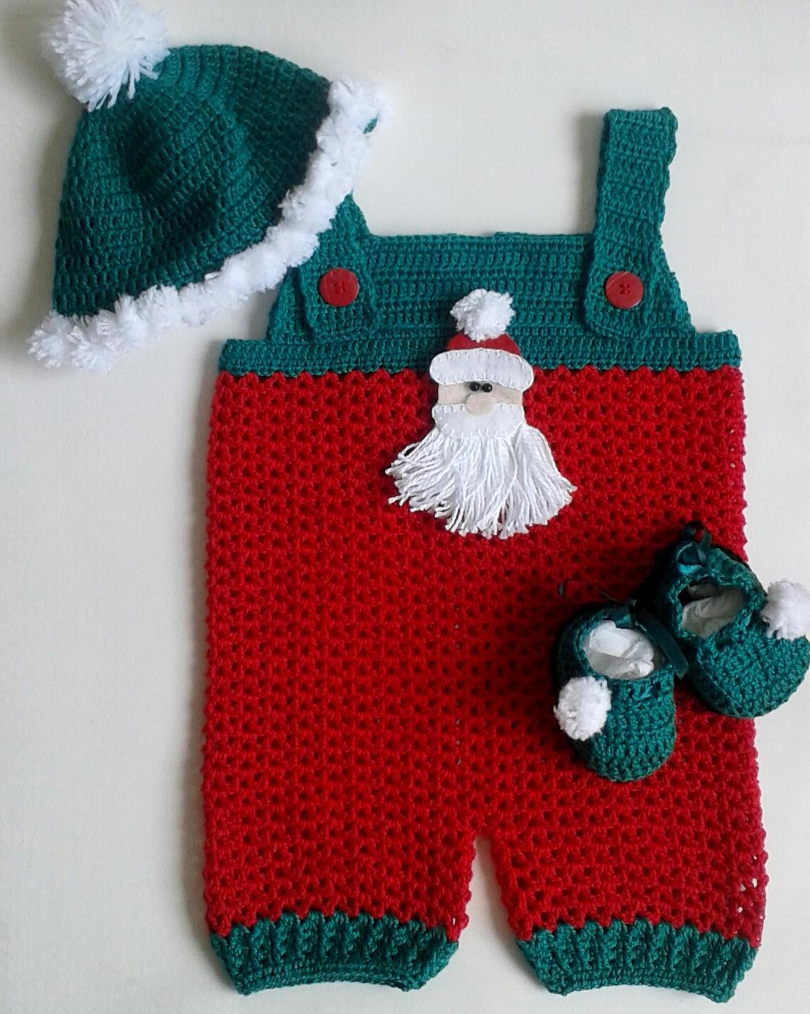 Jardineira e touca pompons crochê Papai Noel no Elo7  72c377dadf6