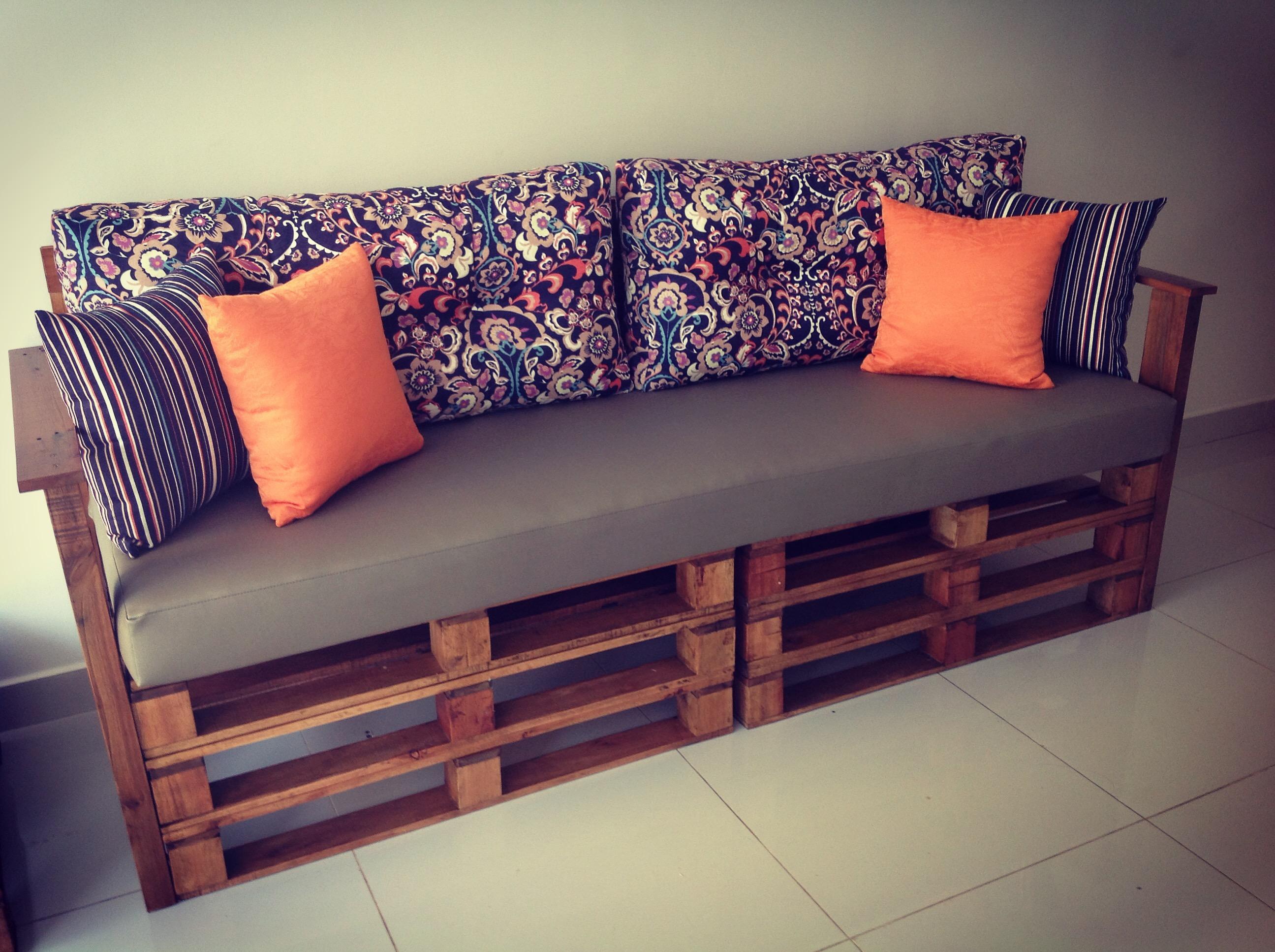 Sof de palete scdecora o elo7 - Como hacer sofas de palets ...