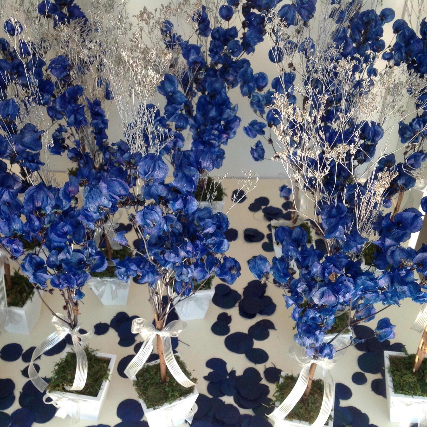 MiniÁrvore francesa azul& prata Rosamorena Artes Florais Elo7 -> Enfeites De Mesa Para Casamento Azul E Branco