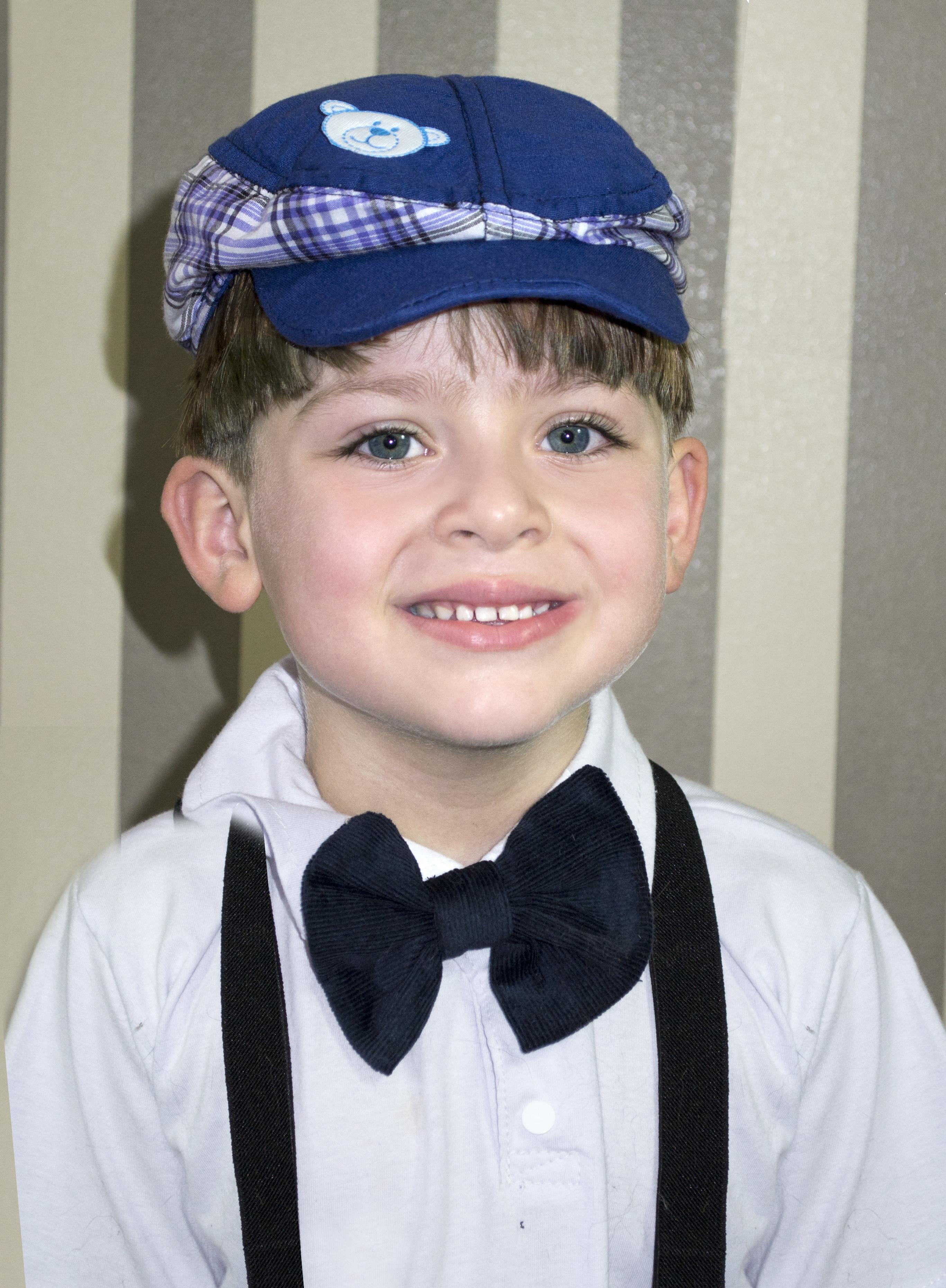 Boina Infantil Azul com Xadrez Bordada no Elo7  1a79005e724