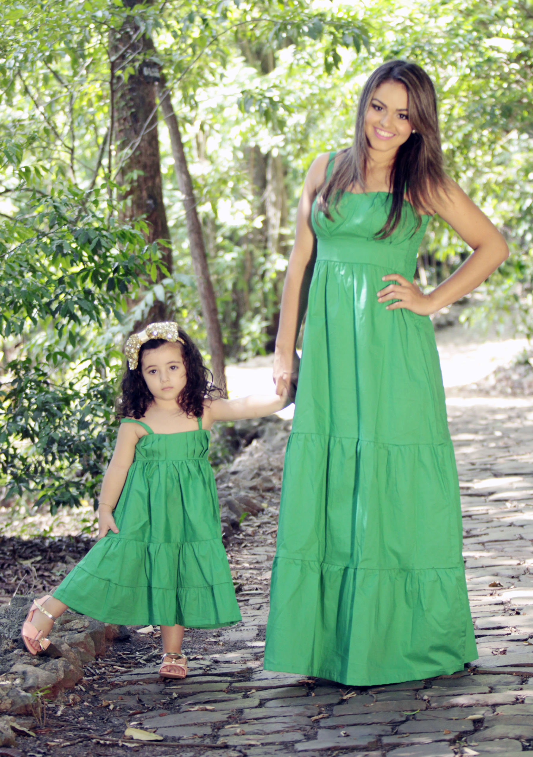 654cd45e3 Vestido Verde com Perolas Mae e Filha | Elo7