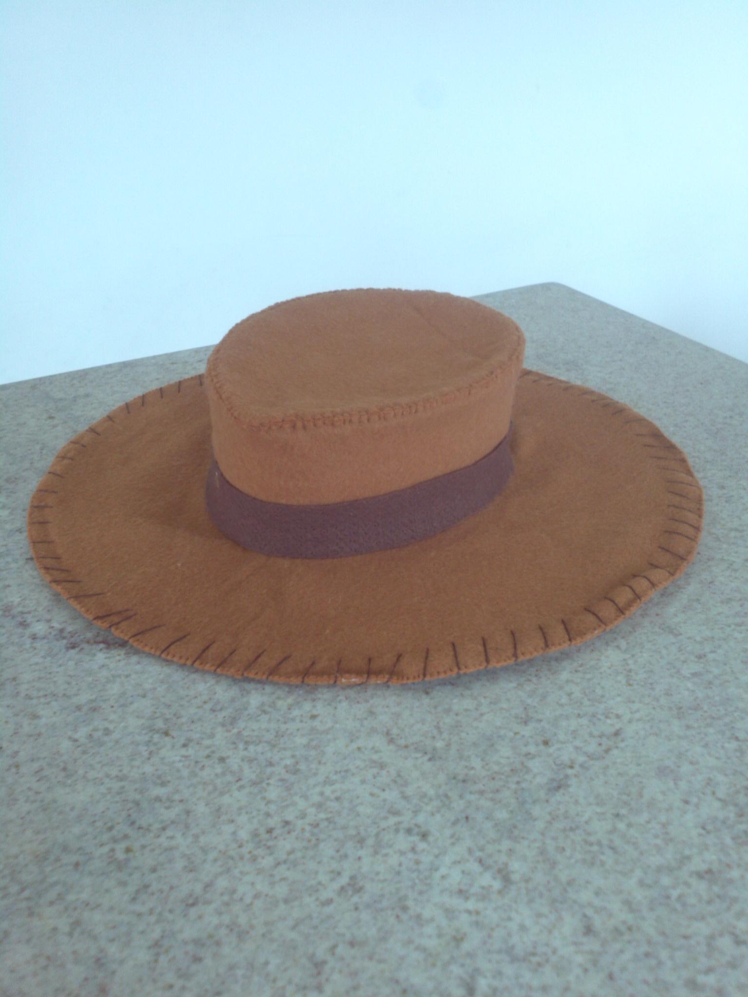 Chapeu de Cowboy de Feltro Lembrancinha  f94c4a45371