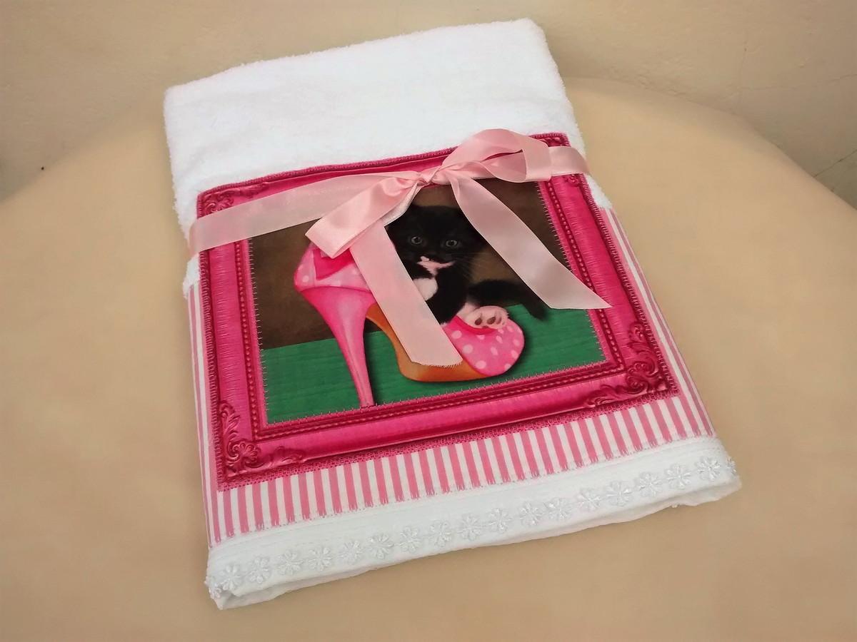 Toalha de banho quadro gatinho rosa no elo oito gatos