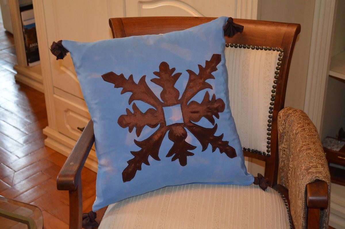 Almofada Patchwork em batik de seda no Elo7   Adriana V. de Paula ... 8f1026923d