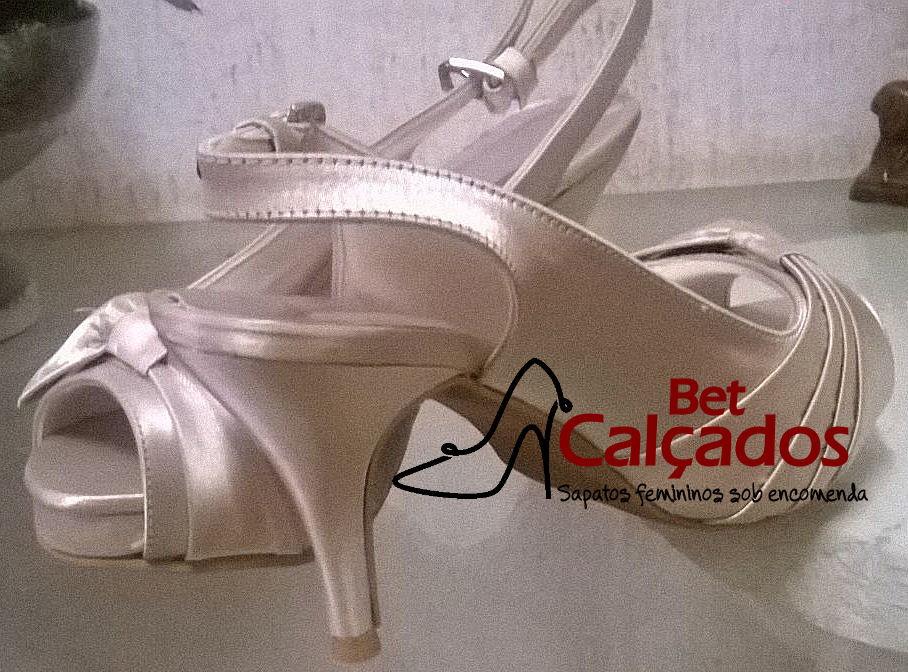 7927903037 Sandália Chanel nude meio laço drapeado no Elo7