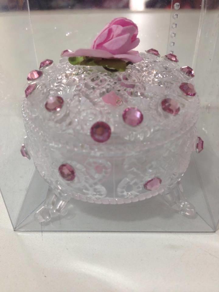 4ccb65e6c Porta jóia com strass e rosa de cetim no Elo7
