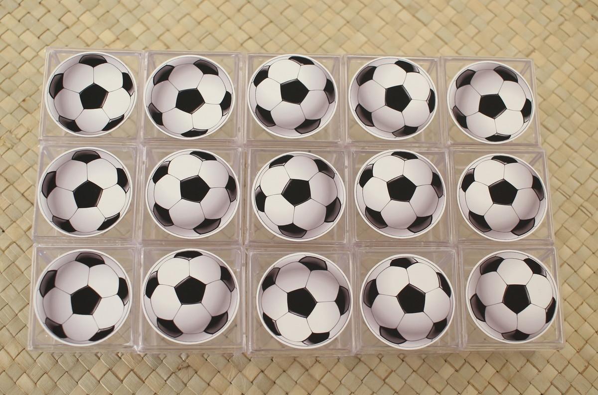 fc3e8c9028 Caixinha de acrílico adesivada - bola de futebol no Elo7