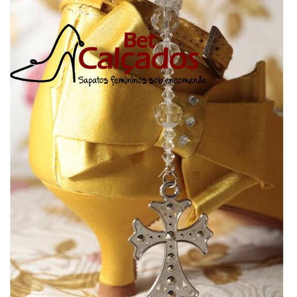 6ca15ee89ff7 Sapato 010 amarelo bico fechado 5cm no Elo7 | Bet Calçados (73FCF5)