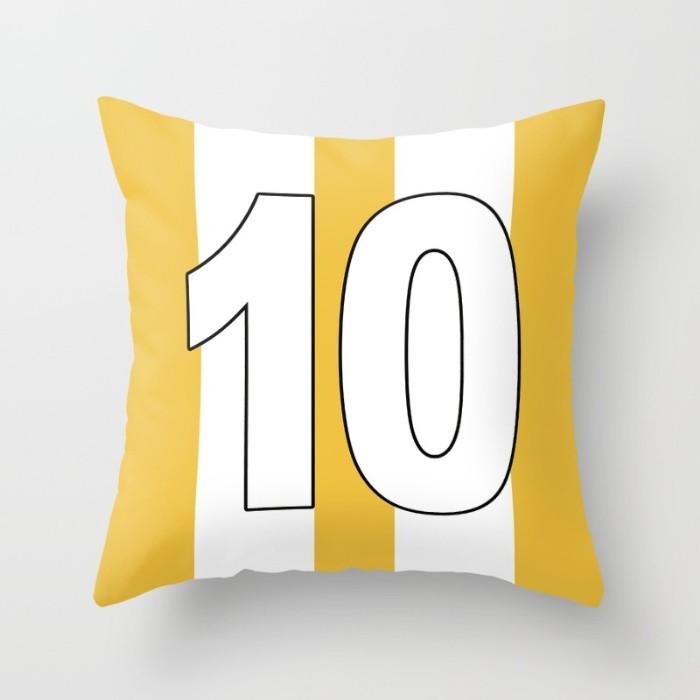5d600c767f Capa Almofada Camisa Futebol Amarela 40x40 no Elo7