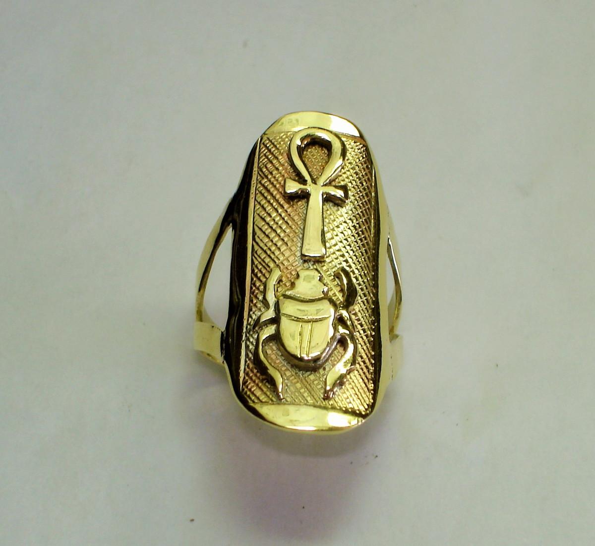 24ef42fa6c1 Anel Cruz e escaravelho ouro 18k no Elo7
