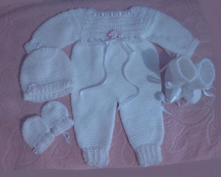 fbed3f3aa Conjunto crochê feito c lã para bebê no Elo7