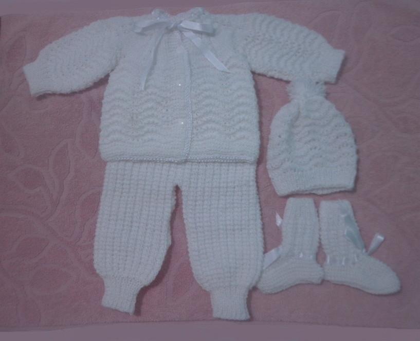 5d58595c80 Conjunto tricô à mão bebê recém nascido no Elo7