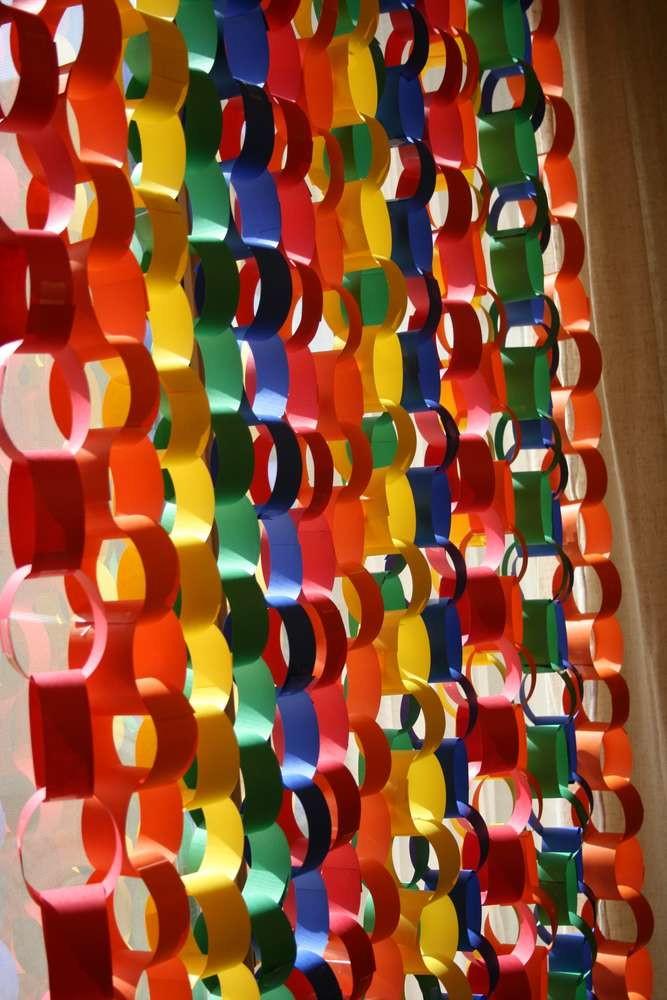 Painel de correntes decora o fest color no elo7 bicho - Cortinas de cadenas ...