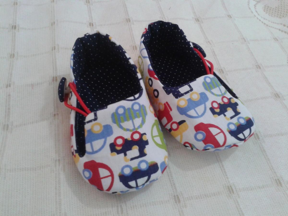 aac4f91365 Sapatinho para bebê em tecido menino no Elo7