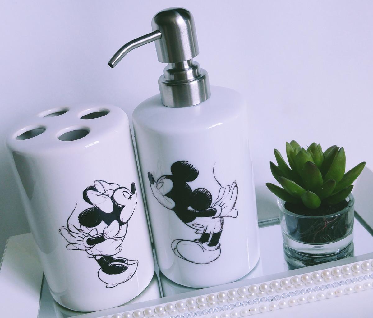 Kit Banheiro Porcelana Mickey : Kit saboneteira porta escovas mickey minnie beijo no