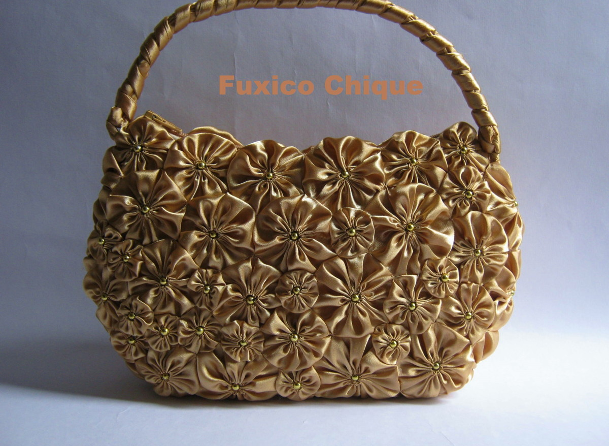 Bolsa Dourada : Bolsa dourada de al?a vari?vel fuxico chique by lina