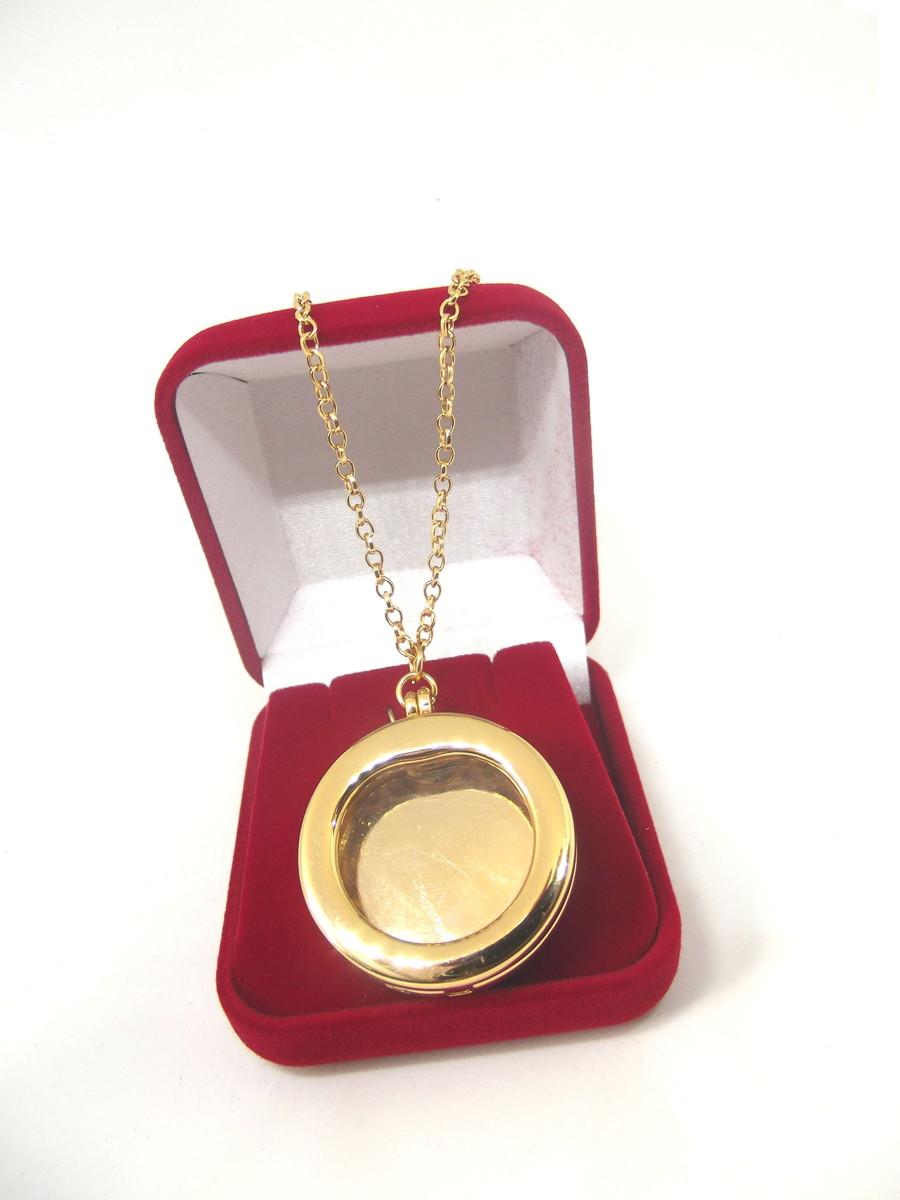 02487469dd5a9 Colar Relicário Cápsula Banho Ouro no Elo7   Gênesis EShop (853AD1)