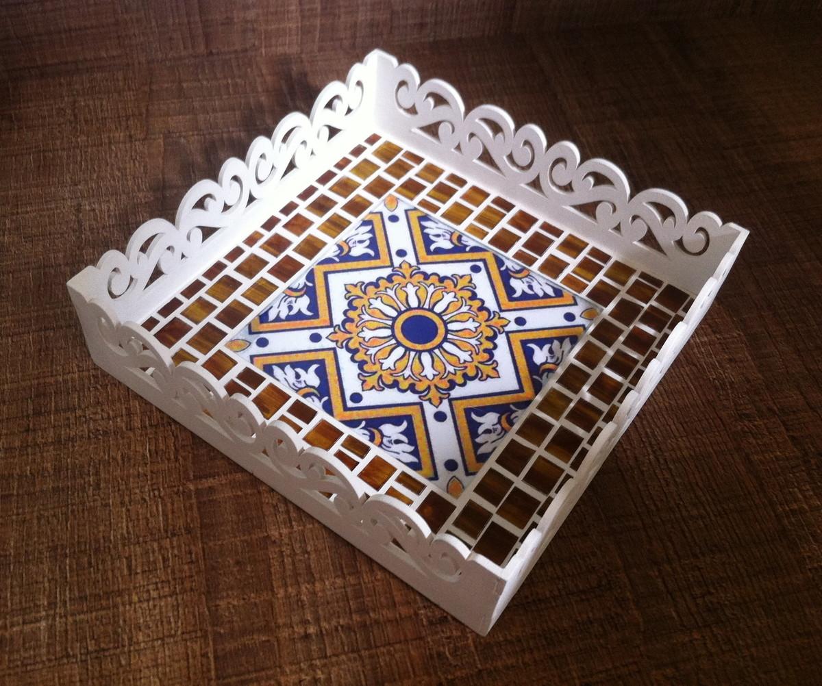 Bandeja mosaico azulejo a e ateli elo7 for Azulejo mosaico