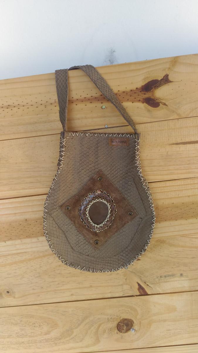 722b17acb Bolsa de couro artesanal no Elo7 | Ateliê Art Minha (8E2F65)