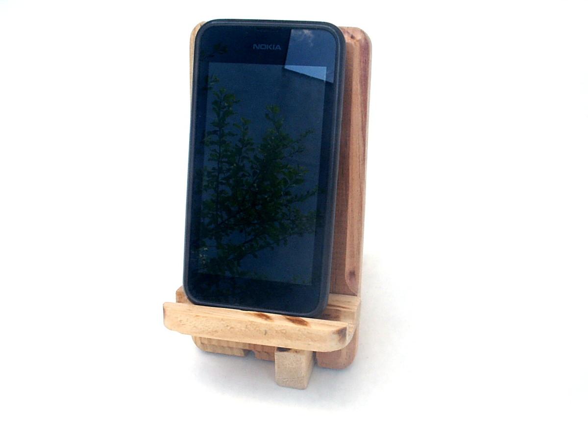 Suporte para celular - Em madeira no Elo7  6ae1979233980