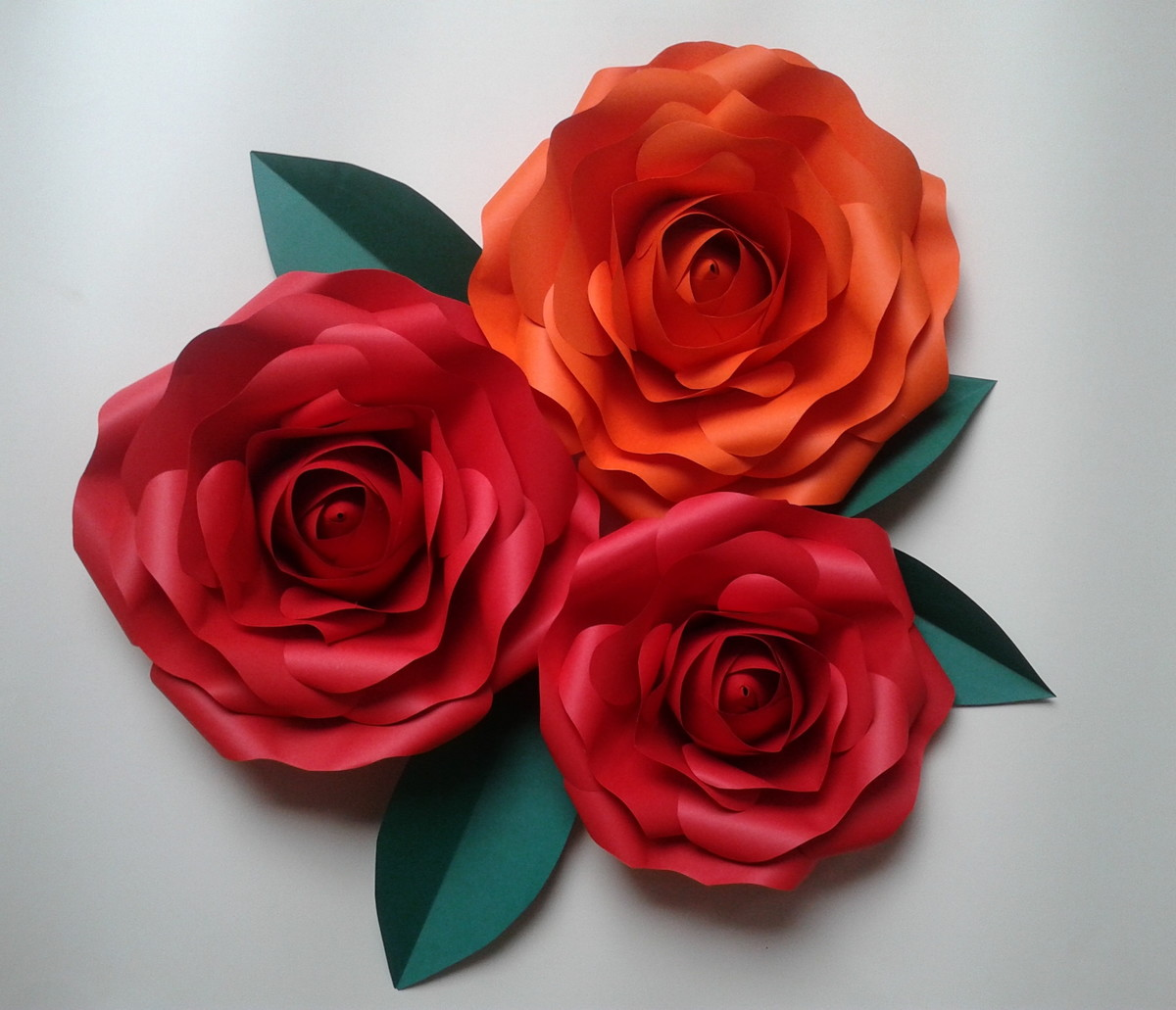 Kit 3 rosas gigantes de papel no elo7 naiane origamis for Rosas de papel