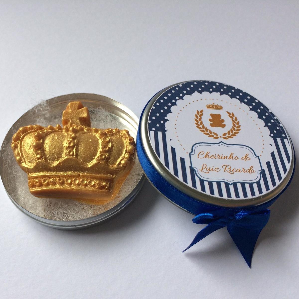 lembrancinhas de maternidade de chaveiro de coroa principe