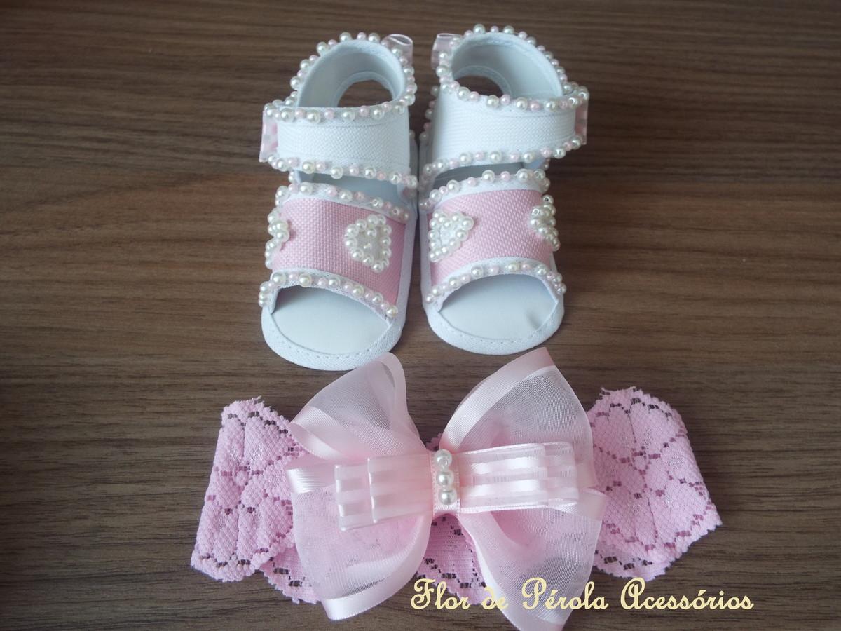 9def248ce Sapatinho + tiara rosa e branco coração no Elo7 | Flor de Pérola ...