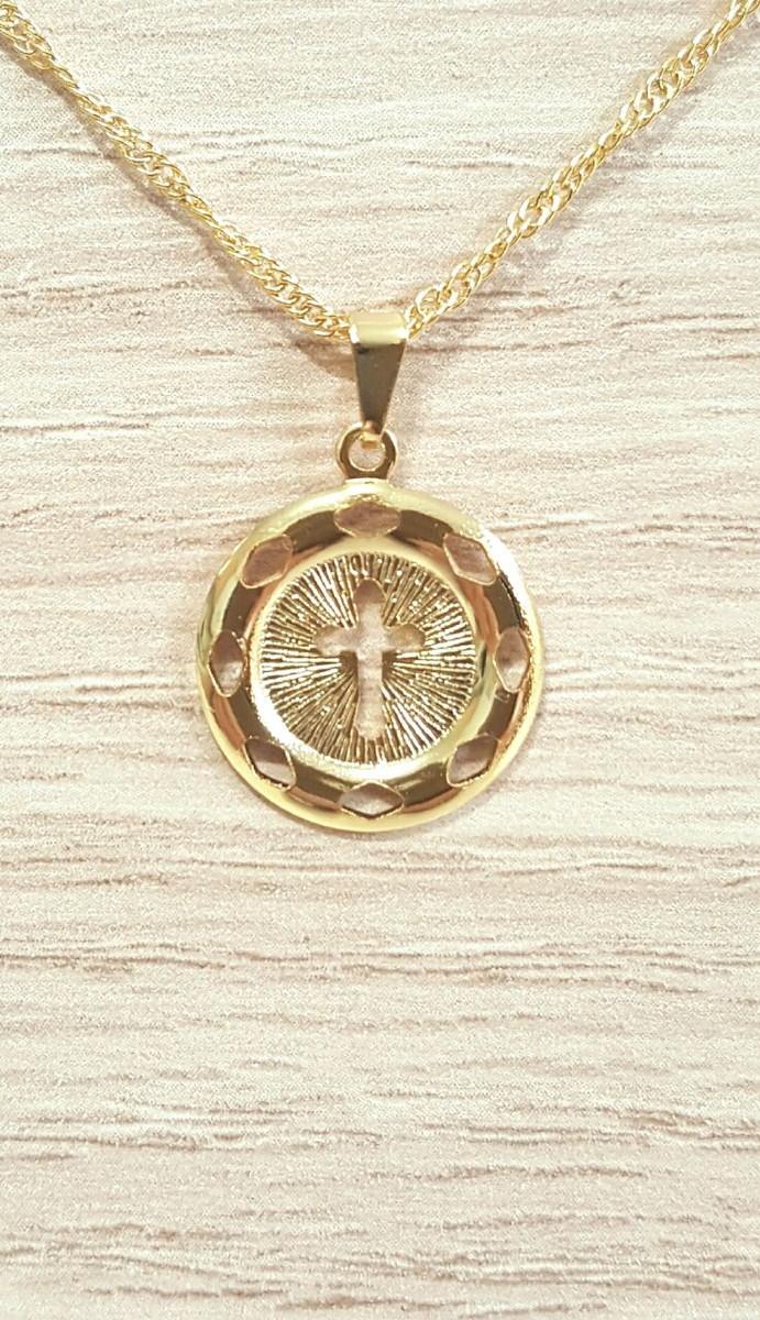6c97d3256d202 Gargantilha Medalha Crucifixo Folheada! no Elo7   CS Acessórios (97E939)