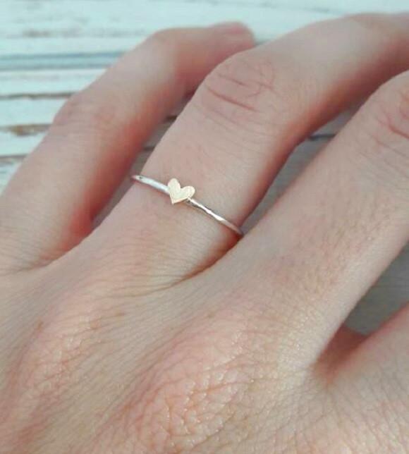 3e42bb6b4725b Anel de Prata com Coração em Ouro Rosa no Elo7   Camila Reiss (9105B6)