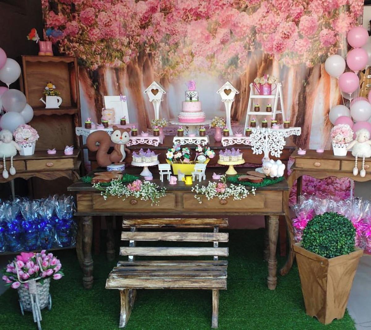 Decoraç u00e3o provençal Jardim Encantado Menina Prendada Festas Personalizadas Elo7 -> Decoração De Festa De Aniversario Jardim Encantado