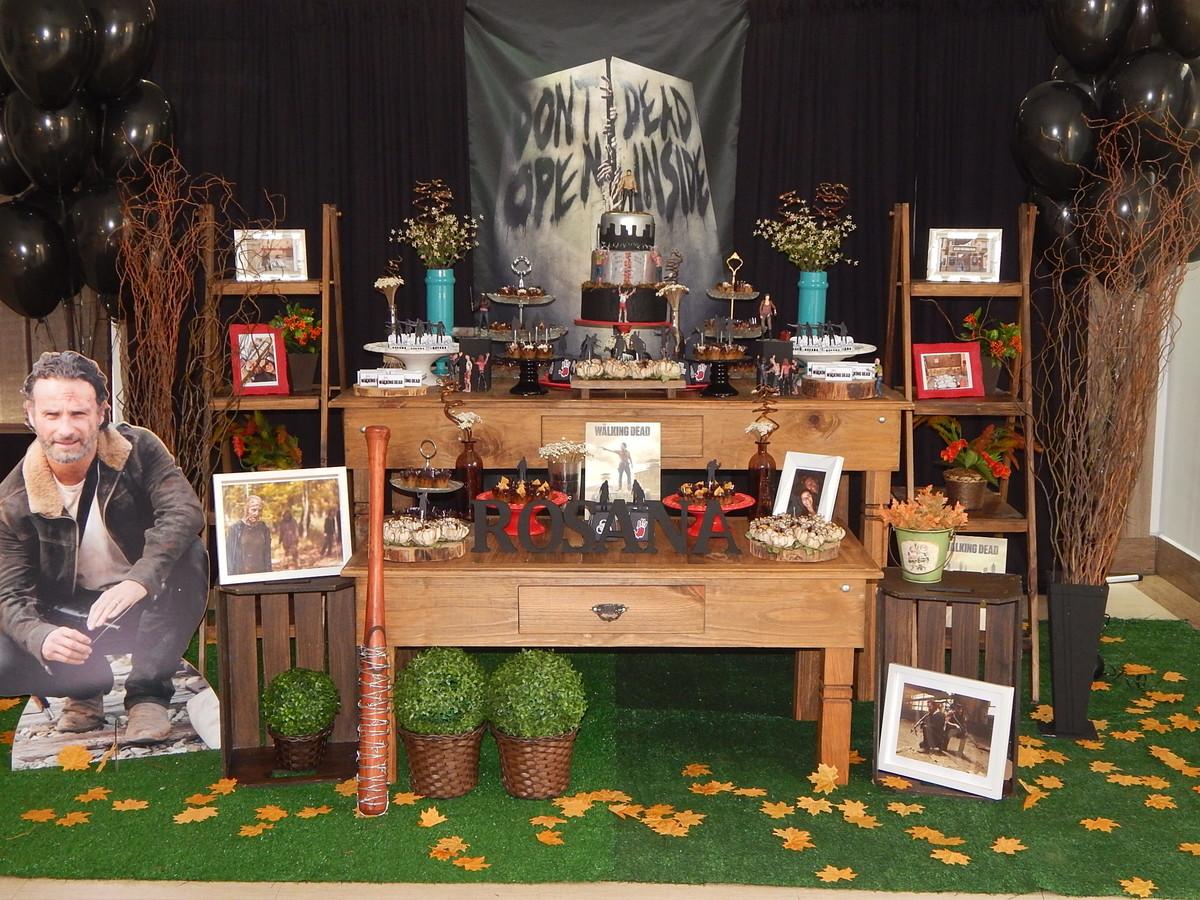 Decoraç u00e3o The Walking Dead no Elo7 Cettolin Festas& Eventos (9F802E)~ Decoração Zumbi
